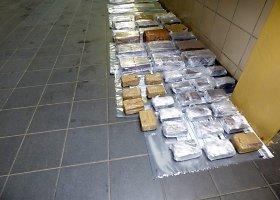 Kelis mėnesius intensyviai dirbę Kauno kriminalistai rado beveik 100 kg hašišo