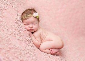 Kūdikius fotografuojanti Lindsay Walden perkelia juos į meno kūrinius