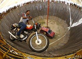 """""""Mirties siena"""" – ekstremalus atrakcionas Nepale"""