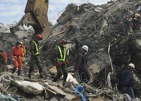 Taivane iš sugriuvusio pastato gelbėtojai ištraukė daugiau kaip 100 žuvusiųjų