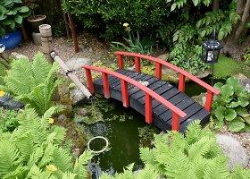 Britas kieme sukūrė japonišką sodą savo neįgaliai žmonai
