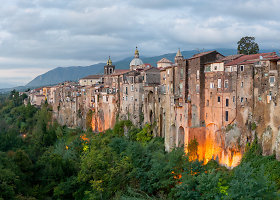 Unikalusis Sant Agata de Goti miestelis Italijoje