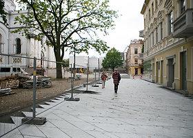 Laisvės alėjoje klojamas grindinys sulaukė miestiečių dėmesio