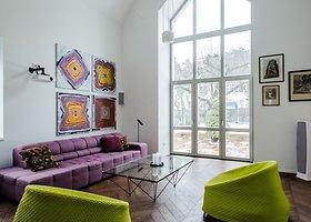 Namo Vilniaus centre interjeras – tarsi meno galerija