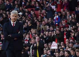 """Danny Welbecko įvartis užtikrino """"Arsenal"""" pergalę"""
