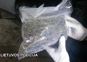 Šiauliuose sulaikyti vyrai, kurie vertėsi narkotikų kontrabanda ir prekyba