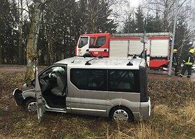Vilniuje susidūrė mikroautobusas ir automobilis