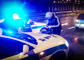 Prie vairo sulaikyti nuo narkotikų apkvaitę jaunuoliai