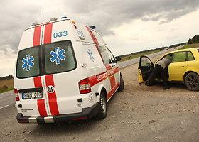 """Panevėžio rajone girta kompanija su """"Opel"""" nulėkė į griovį"""