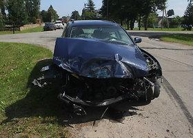 "Šiukšliavežės ir ""Volkswagen"" avarija Vabalninke"