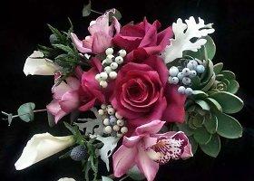 Neįtikėtinai į tikras panašios cukrinės gėlės, kurias kuria britė Christine Craig