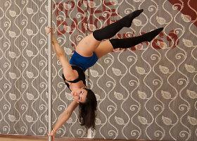 Neringos Malžinskaitės šokis ant stulpo