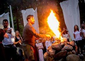 """Dūburio ežero saloje atidarytas festivalis """"Mėnuo Juodaragis"""""""