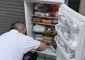 """""""Solidarumo šaldytuvas"""" Ispanijoje, kuriame paliekamas maistas nepasiturintiems"""