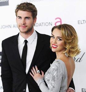 Miley Cyrus įsigijo namą, kuriame ketina gyventi su Liamu Hemsworthu