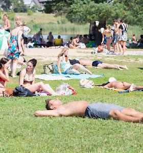 Prie Karloniškės ežero nusnūdęs vyras atsibudo be telefonų, dokumentų ir kišenpinigių