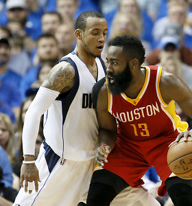 """Po Jameso Hardeno ir Dwighto Howardo šou """"Rockets"""" laimi 3:0 prieš """"Mavericks"""""""