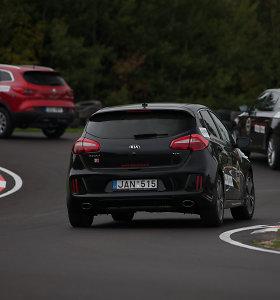 Ignas ir Jonas Gelžiniai lietuvius mokys sportinio vairavimo lenktynių trasoje