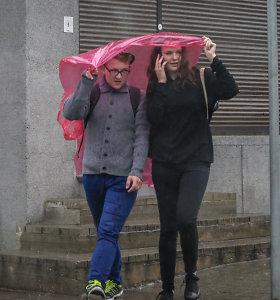 Orai.lt: po Lietuvą slankios vėsa ir lietus