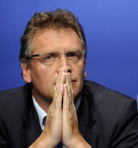 Buvęs FIFA generalinis sekretorius nuo futbolo nušalintas 12 metų