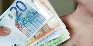 Ar to paties nominalo eurų banknotų išvaizda gali skirtis?