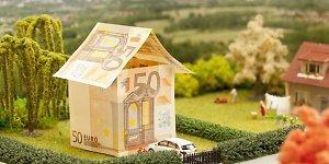 Kas po euro įvedimo laukia litais paskolas pasiėmusių žmonių?