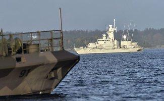 Švedijos kariuomenė toliau tęsia Rusijos povandeninio laivo paieškas