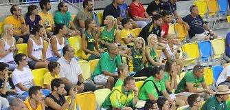 Australams pralaimėjusių Lietuvos krepšininkų žmonų veiduose – liūdesys