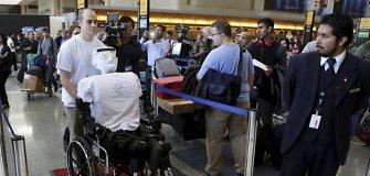 Robotas humanoidas pirmąkart skrido kaip oro bendrovės keleivis