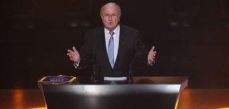 Aiškėja FIFA prezidento rinkimų kontūrai – Seppas Blatteris turės bent du varžovus