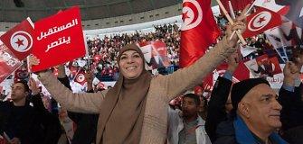 Tunisiečiai balsuoja po revoliucijos surengtuose prezidento rinkimuose