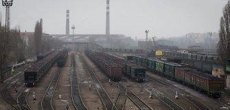 Donbaso ūkis: sunaikintos gamyklos, duoklės teroristams ir anglių kontrabanda į Rusiją