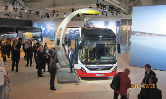 """""""Kauno autobusai"""" parodose ieško būdų išlaisvinti vairuotojus nuo pardavėjo darbo"""