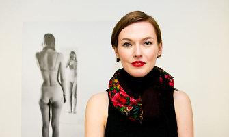 Prieš fotoobjektyvą apsinuoginusi Beata Tiškevič-Hasanova ragina nesigėdyti savo kompleksų