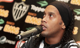 Meksikos politikas Ronaldinho išvadino braziliška beždžione