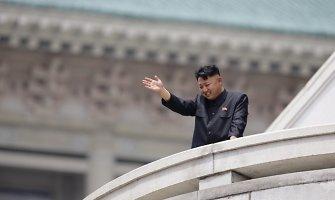 Paaiškėjo, kad Šiaurės Korėjos lyderis viešumoje nesirodo dėl sveikatos problemų