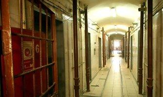 """Šiaulių tardymo izoliatoriaus pragaro kalinys: """"Tualetu nesinaudojau dvi savaites"""""""