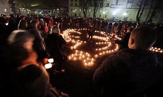 Kaune uždegtos žvakutės už negimusius vaikus