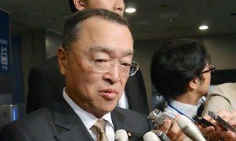 Japonijos pramonės ministro pavaldiniai išlaidavo sekso bare, kur galima plakti surištas moteris