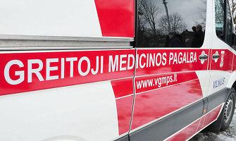 Klaipėdos medikų rankose – iš penkto aukšto iškritusi 17-etė