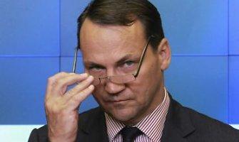 Radoslawas Sikorskis išsižadėjo pareiškimo apie Vladimiro Putino pasiūlymą padalyti Ukrainą