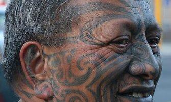 Pasaulį užvaldžiusi polinezietiškų tatuiruočių mada – odoje užfiksuota gyvenimo istorija