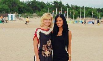 """Geriausia Indrės Burlinskaitės draugė – mama Dalia: """"Neužtektų gyvenimo jai atsidėkoti"""""""