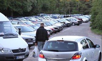 Klaipėdoje atidaryta aikštelė, kur palikę automobilius žmonės gali tęsti kelionę autobusu