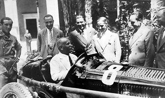 Antrojo pasaulinio karo vadų automobiliai: 5. Benito Mussolini – lenktynių gerbėjas