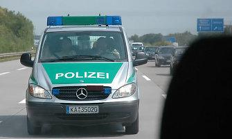 Vokietijoje – didžiulė avarija: apvirtus keleiviniam autobusui žuvo 2 žmonės, 47 sužeisti