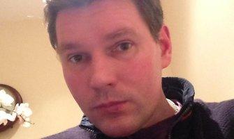 Dviguba žmogžudyste D.Britanijoje įtariamas Viktoras Bružas pusmečiui lieka už grotų