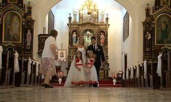 Patarnautojos išsišokimas prieš jaunuosius Šiaulių Šv. Jurgio bažnyčioje