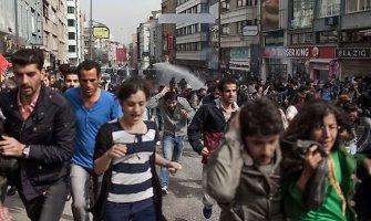 Turkijoje per prokurdiškus protestus žuvo 12 žmonių