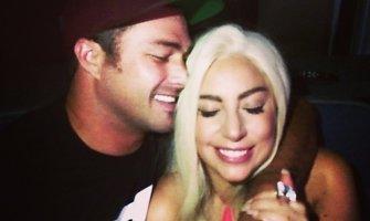 Slaptos vedybos: Lady Gaga ištekėjo už aktoriaus Tayloro Kinney?